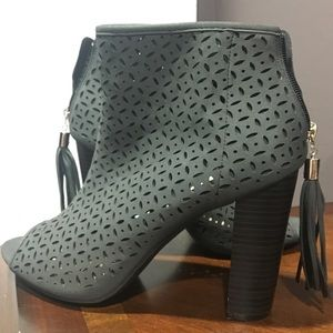 Perforated booties , booties, turquoise booties